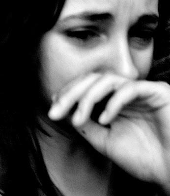 اجمل صور بنات حزينة 2013 - صور بنات تعبر عن الحزان 2014 Kcg8W.jpg