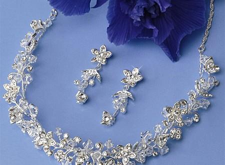 اكسسوارات تايجر Chic accessories every bride 2013