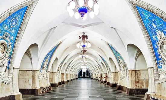 بالصور: أجمل محطة مترو فى العالم بموسكو مثل القصور