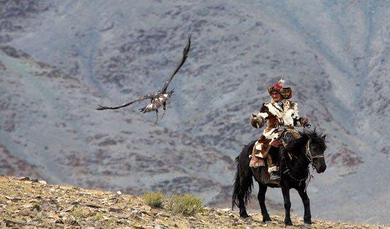 بالصور.. لحظات من مهرجان النسر الذهبى فى منغوليا