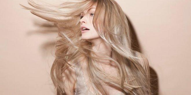 حيل لتكثيف الشعر بتسريحات طبيعية