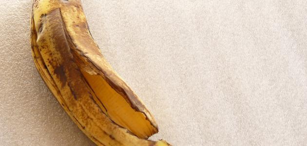 استخدامات قشر الموز على الشعر