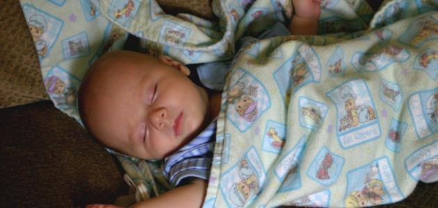 كيفية اقبال الطفل على النوم