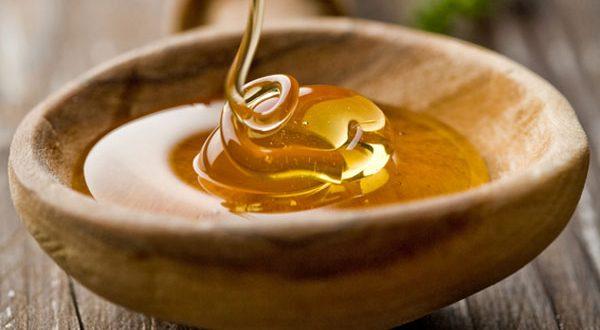 اهمية العسل لغلق المسام الواسعة