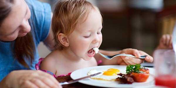 اهمية البيض للأطفال