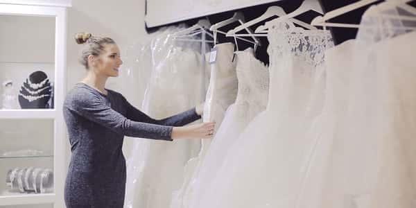 ارشادات عند اختيار فساتين الزفاف