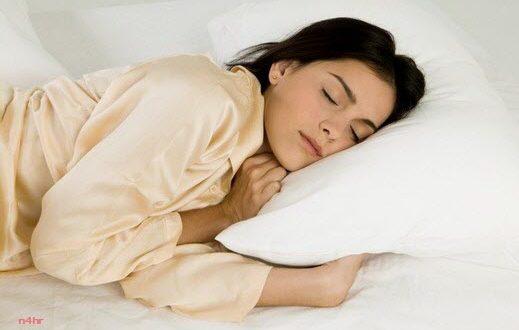 كيف تحافظين على جمالك أثناء نومك