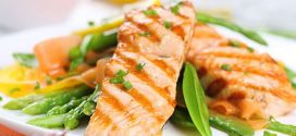 طبق سمك السلمون المشوي