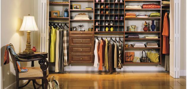 تنظيم الملابس في الدولاب