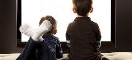 تأثير الشاشات سلبا على سلوك أطفالك